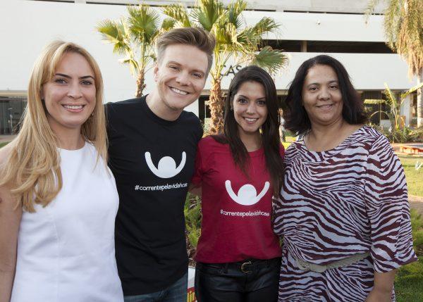 Michel Teló e Thais Fersoza com as diretoras da CASA COR MS Tatiana Ratier e Dilma Bernardes - CASACOR Mato Grosso do Sul
